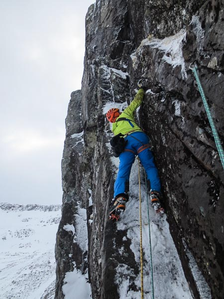 Pete Macpherson on the second ascent of Steam Train (VII,7) on Ben Nevis. This striking line takes the big corner between Orient Express and Newbigging's 80-Minute Route on the First Platform. (Photo Guy Robertson)