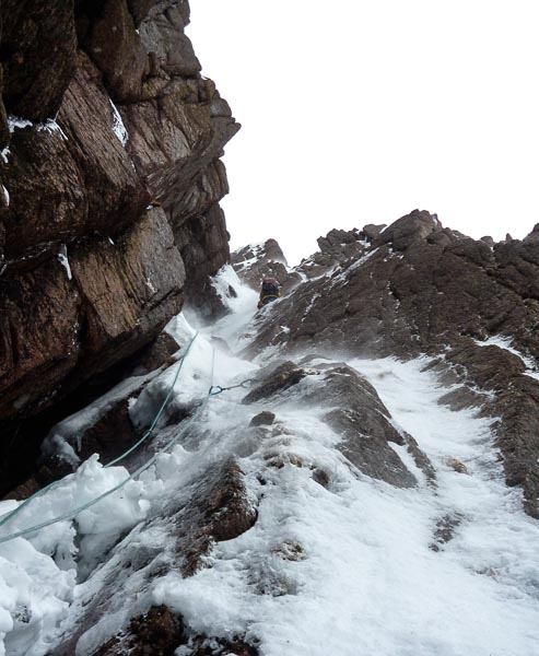 Andy Nisbet on the first ascent of Scarebear (VI,5) on Stacan Dubha in the Loch Avon Basin. This prominent line on the left side of the crag was one of the last unclimbed gullies in the Cairngorms. (Photo Heike Puchan)