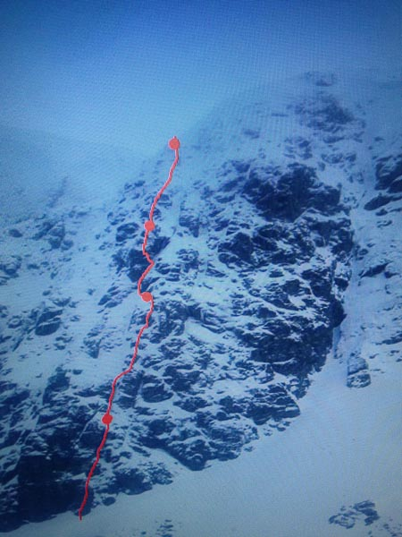 The line of Best of a Bad Bunch (VI,7) on West Buttress on Beinn an Dothaidh. This possible new route is a direct version of Strombringer (III) and its Direct Start (V,6). (Topo Willis Morris)