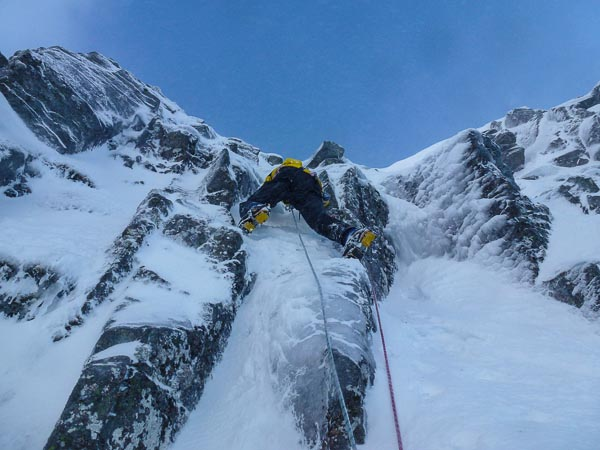 Jonathan Preston making the first ascent of Gonzo (IV,4) on the East Face of Aonach Mor. The route lies on the Ribbed Walls in the area of grooves between Pernille and Aquafresh. (Photo Andy Nisbet)