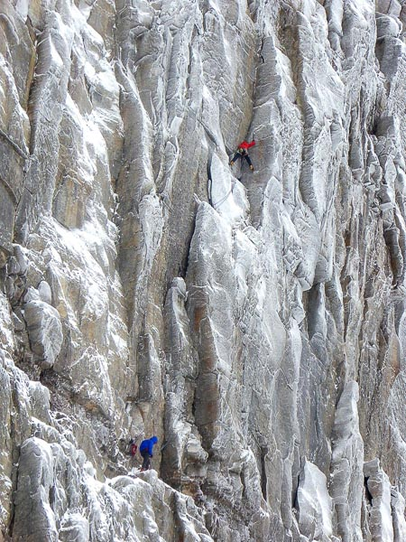 Uisdean Hawthorn and Murdoch Jamieson making the second ascent of Boggle (VIII,8) on Beinn Eighe's Eastern Ramparts. (Photo Mairi Ri Hawthorn)