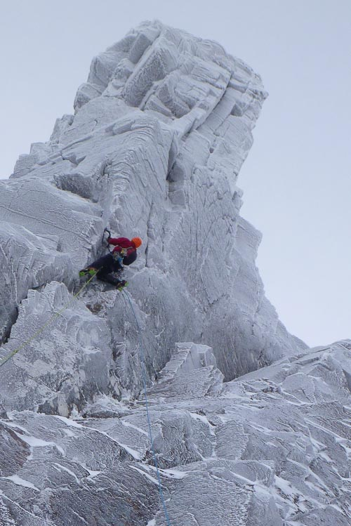Dave Almond on the Northern Corries test-piece The Gathering (VIII,9). This exceptionally steep route lies on the pinnacle in the fork of Y-Gully in Coire an Lochain was first climbed by Guy Robertson and Pete Macpherson in February 2011. (Photo Helen Rennard)