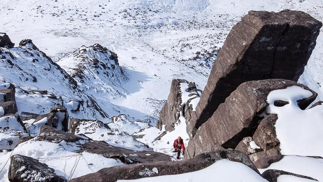 John Higham on the first winter ascent of Western Buttress Edge Route (VI,7) on Stac Pollaidh. This summer Severe was first climbed in 1991. (Photo Iain Young)